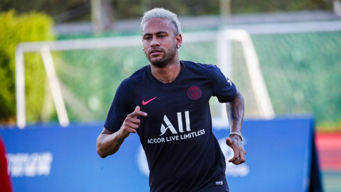 Neymar treinando pelo PSG