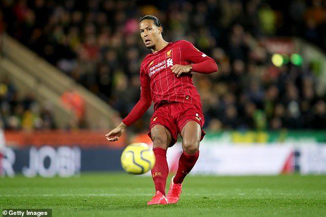 Vincent Kompany afirma que Virgil van Dijk é o melhor defensor da história da Premier League
