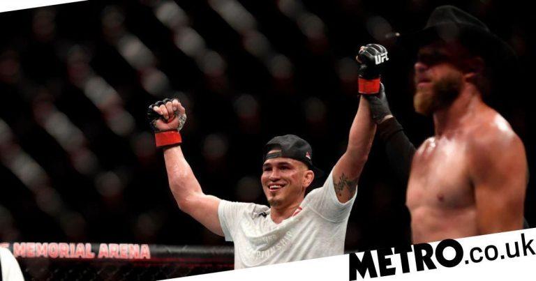 Cowboy Cerrone venceu todas as rodadas na derrota de Anthony Pettis no UFC 249, avalia Chael Sonnen