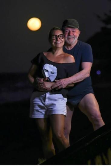 Foto do Lula de sunga com as coxas a mostra gera memes na internet