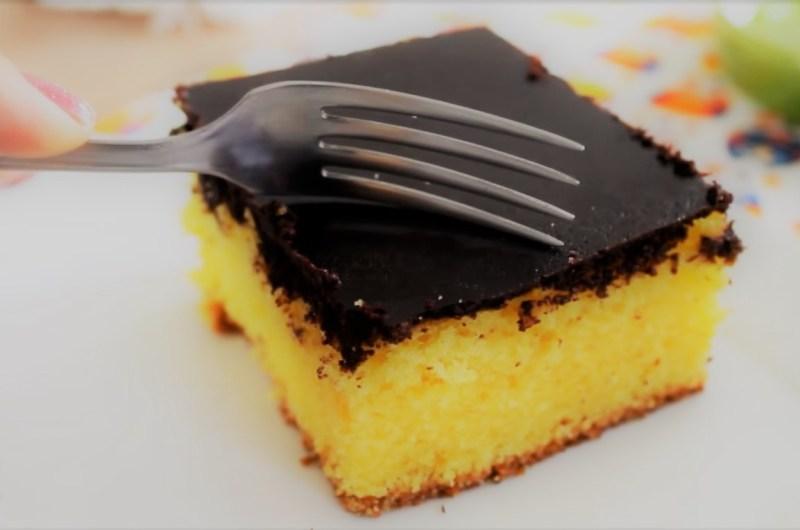 Bolo de Cenoura Fofinho com Cobertura Sequinha de Chocolate
